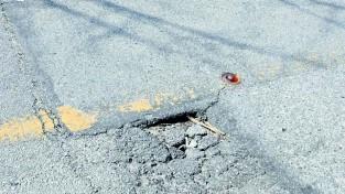 지나가기만 하면 덜컹,도로위의 또 다른 위험
